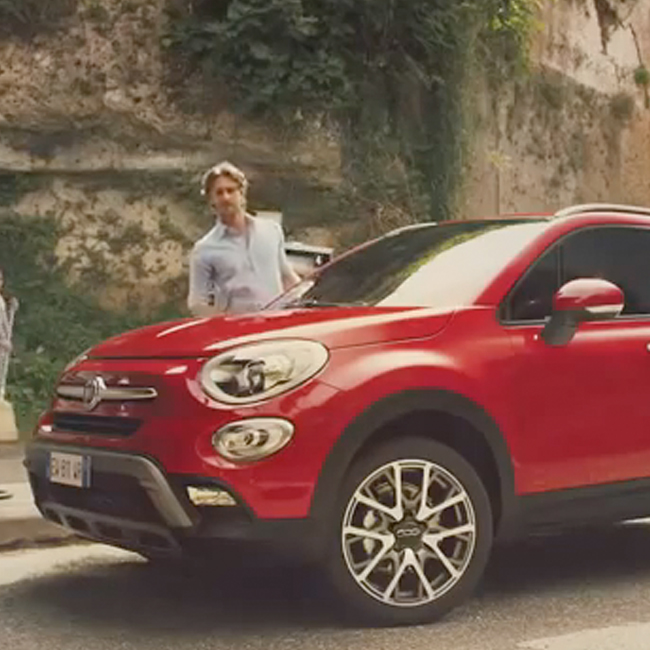 Fiat opens a pitch for the 500X launch